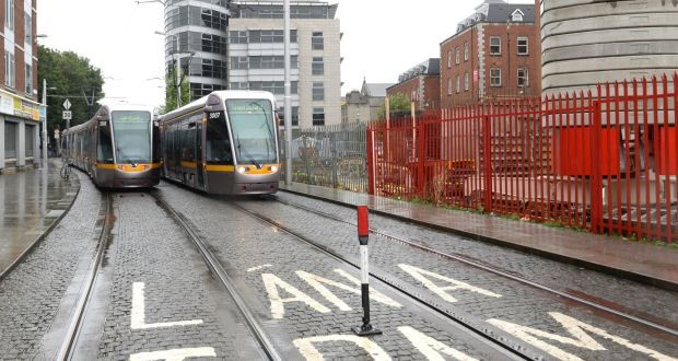 Siptu says pay cut threat to Luas drivers 'unlawful'