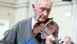 Denis O'Callaghan (90) rehersing. Photograph: Dave Meehan