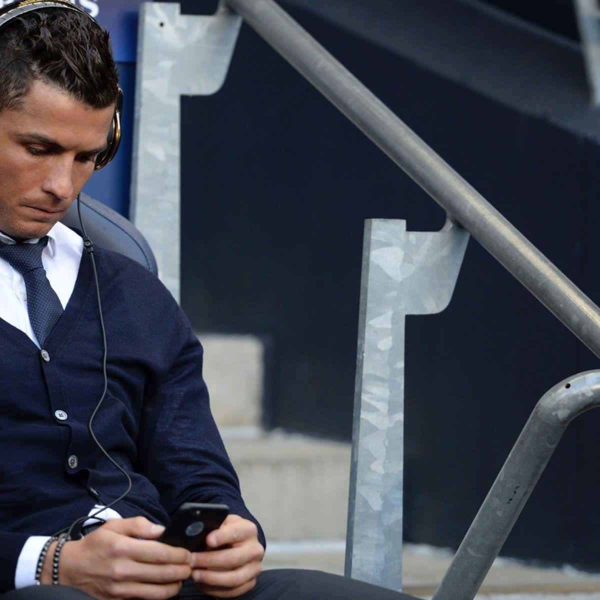 Cristiano Ronaldo trains for Real Madrid ahead of City clash
