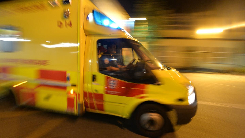 Resultado de imagem para ambulance running
