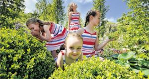 Siomhe Deevy, Nadine Bailey (centre), Brieanna Deevy