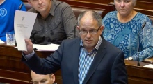 'This is not a TV studio': Dáil suspended over workers debate