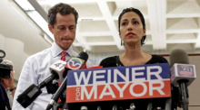 Official trailer for 'Weiner'