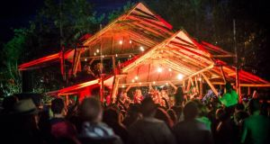 "Knockanstockan, ""a Blessington bacchanal of Irish music with 150 bands and 4,500 people in attendence"""