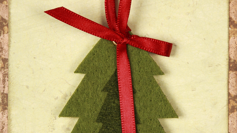 Woman (45) pleads guilty to sending girl \'vile\' Christmas card