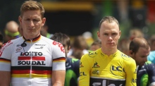 Tour de France holds a  minute of silence for Munich victims