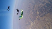 Skydiver jumps 25,000 feet without a parachute