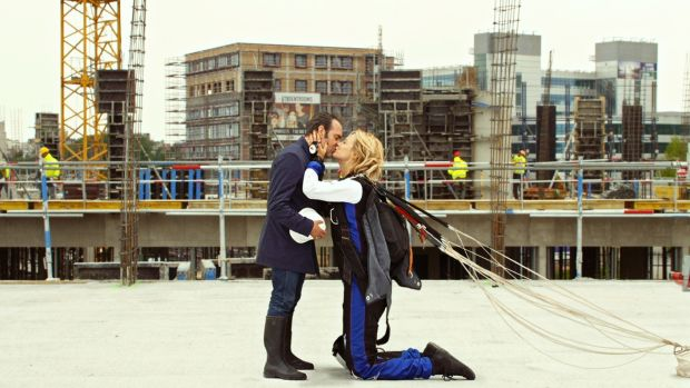 Up for love review the height of romance for Dujardin height