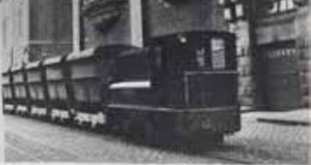 A 22-inch narrow-gauge railway system was constructed to carry materials around the Guinness brewery, as well as taking casks of stout to barges moored on the Liffey quays