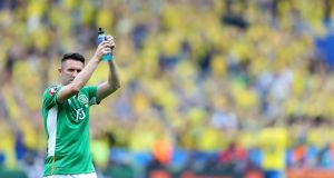 Republic of Ireland captain Robbie Keane applaus the support after the Euro 2016 game against sweden at Stade de France. Photograph:  Chris Radburn/PA Wire.