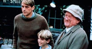 Jeremy Irons, Samuel Irons and Cyril Cusack in the 1989 movie of 'Danny, the Champion of the World'