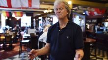 Wetherspoons offers zero-hours staff guaranteed work