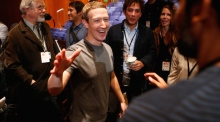 Mark Zuckerberg pledges $3bn to 'cure all diseases'