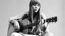 Joni Mitchell. grianghraf: jack robinson/getty images