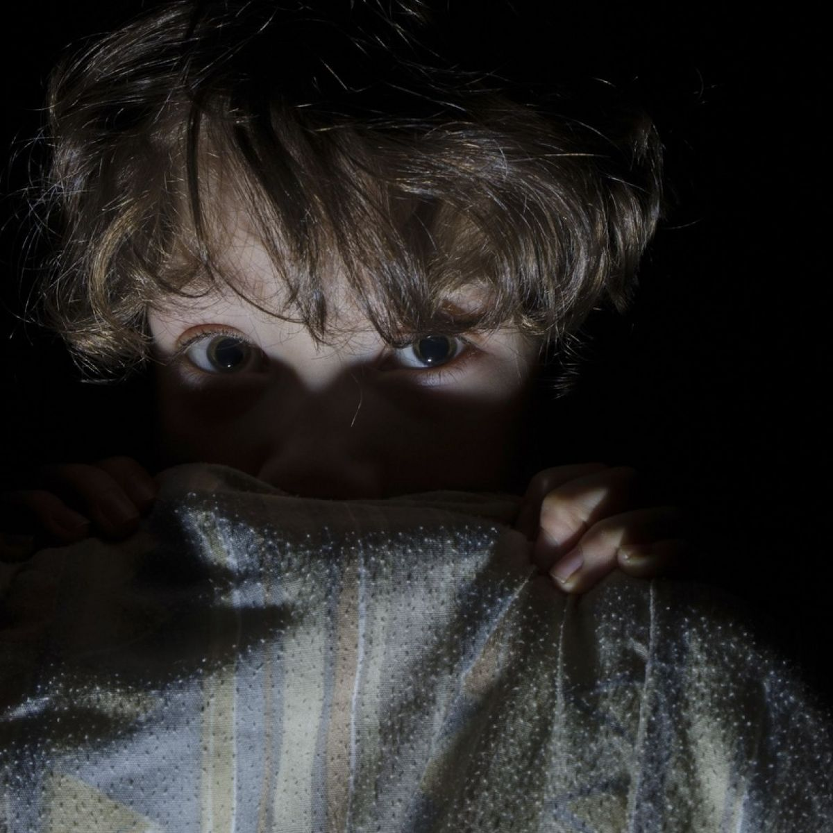My son can't sleep after seeing a scary picture