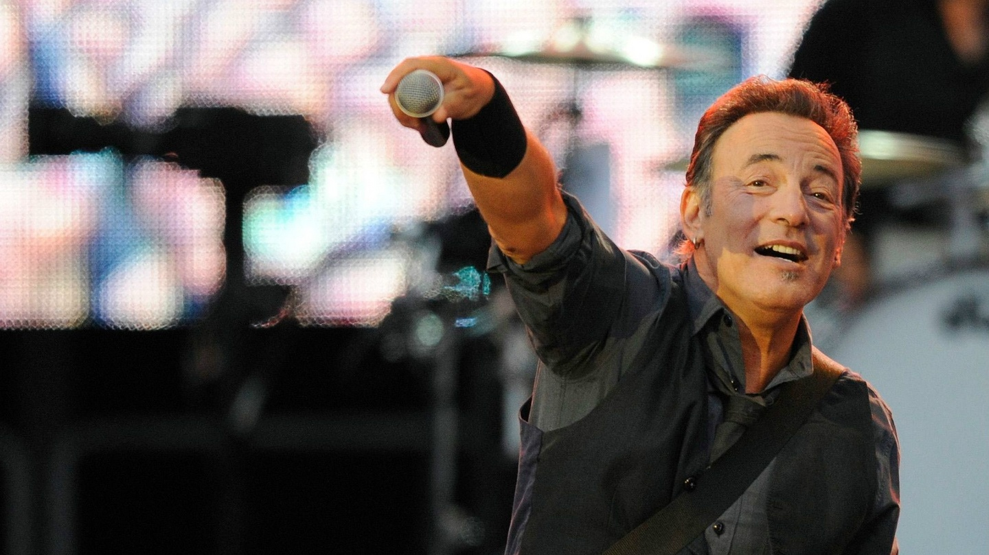 Born To Run By Bruce Springsteen Review: Darkness On The Edge Of Genius