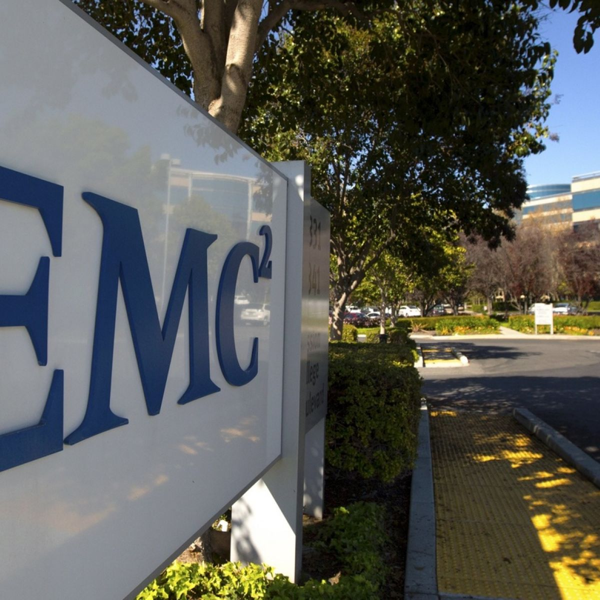Dell EMC to cut jobs at Cork data storage business