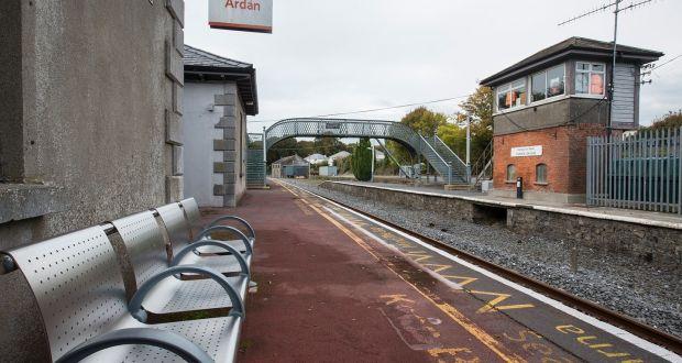 Cahir to Carrick-on-Suir - 4 ways to travel via train, line 55 bus