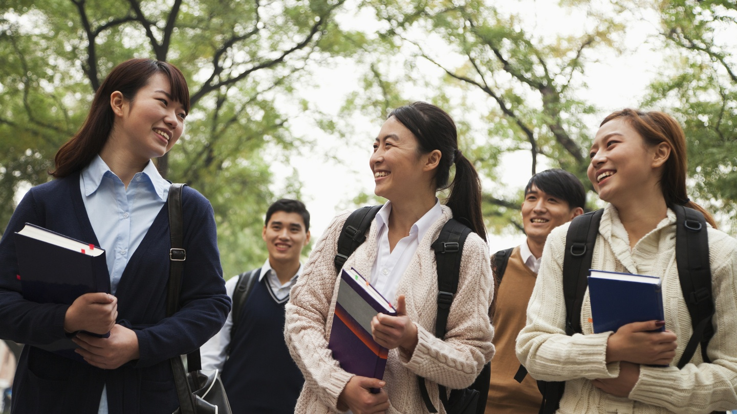 china and us education China united states primary education and elementary school start at the age of 6 and last 6 years secondary education consists of 3 years of middle school and 3 years of high school.