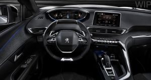 Peugeot 3008: the new cockpit is a real premium format and the small steering wheel is a winner