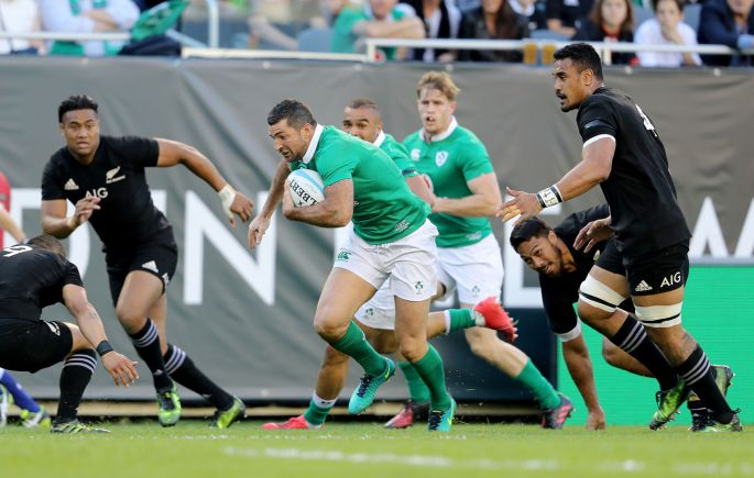 Ireland's Rob Kearney makes a break. Dan Sheridan/Inpho
