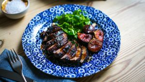 Spiced duck with figs