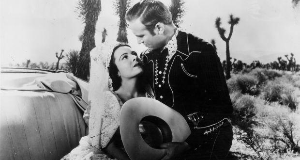 Lupita Tovar: 'Dracula' star who became the 'Sweetheart of