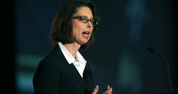 Abigail Johnson to succeed father at Fidelity Investments