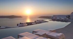 The famous Santorini sunset as seen from the Grace hotel in Imerovigli