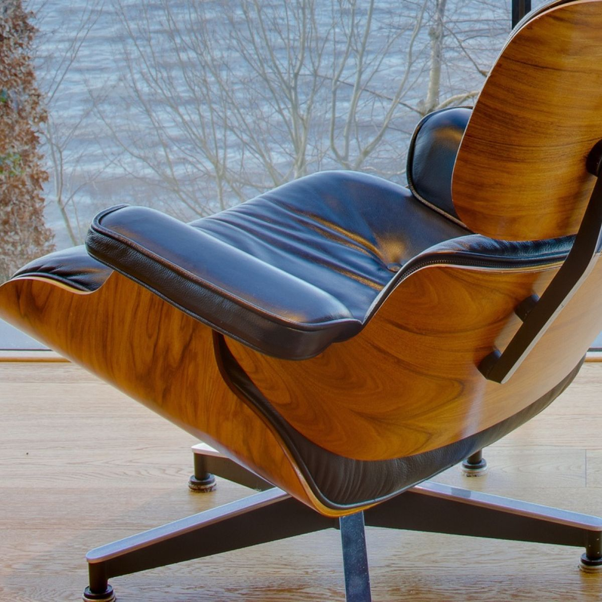 Vitra Lounge Chair Replica ireland: a safe haven for furniture fakes?