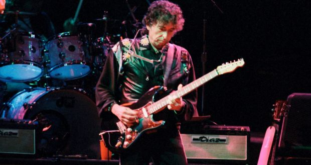Bob Dylan could tackle changing times in Nobel speech
