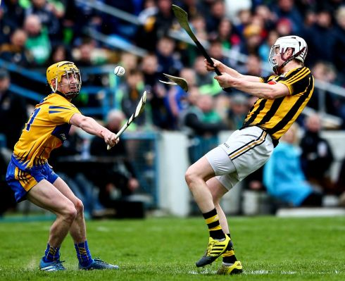 Clare's Colm Galvin and Lester Ryan of Kilkenny. Photo: James Crombie/Inpho