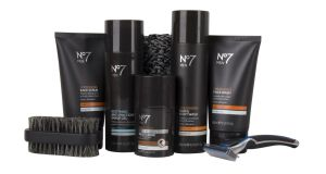 Boots' No7 Men Ultimate 7 Day Groomer, €53.