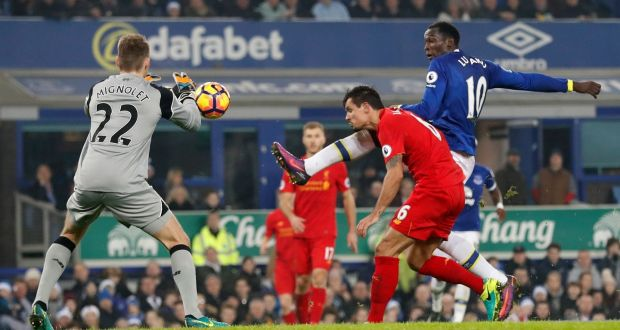 e892b635cf0d Everton's Romelu Lukaku is closed down by Dejan Lovren in the Merseyside  derby against Liverpool.