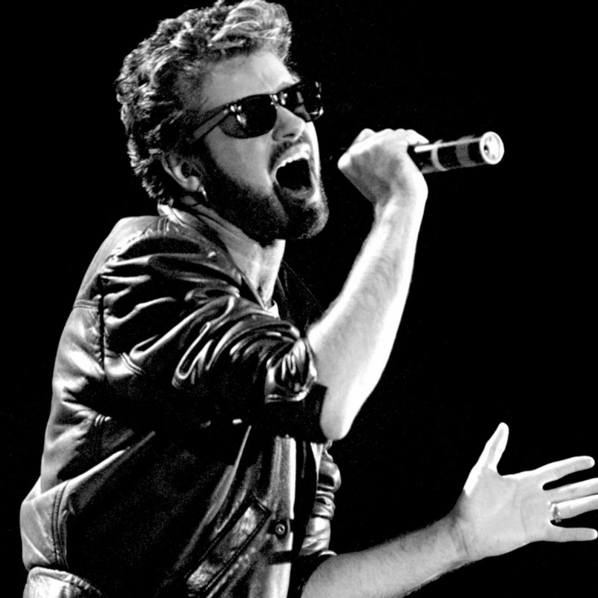 pictures George michael gets to play wembley before anyone else