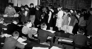 1948: A classroom scene during a maths lesson. (Photo by Topical Press Agency/Getty Images)