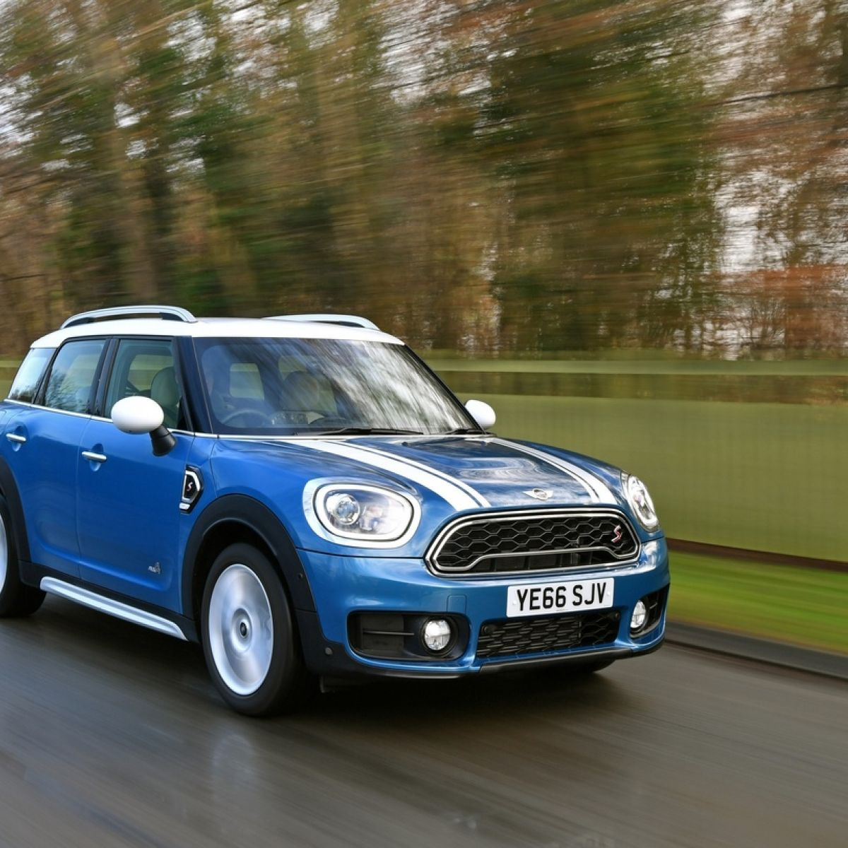 First Drive Mini Inflates New Countrymans Size And Price
