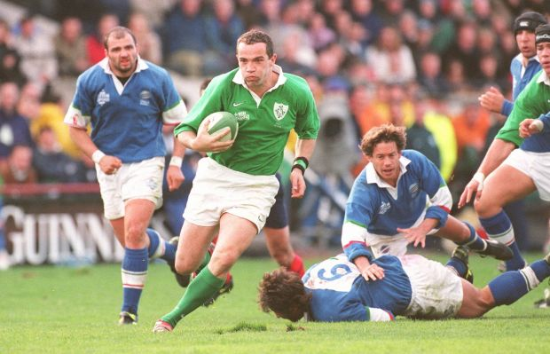 Conor O Shea breaks the Italian defence to score during a Six Nations match in Lansdowne Road. Photograph: Dara Mac Dónaill/The Irish Times