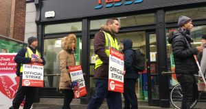 Tesco workers on strike outside the Tesco store on Baggot Street. Photograph: Alan Betson/The Irish Times
