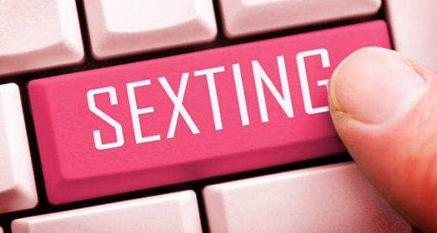 Find sexting pics