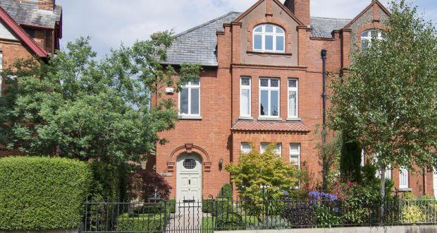 Exterior, 3 Mount Eden Road, Donnybrook, D4