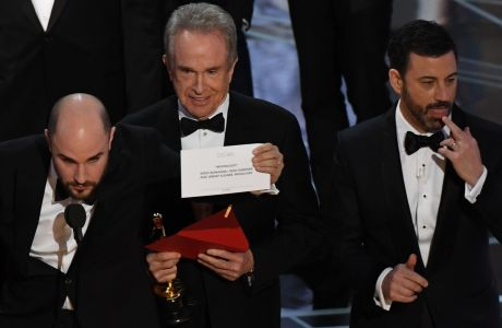 Oscars: PwC apologises for blunder after La La Land incorrectly named as winner
