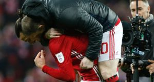 Wayne Rooney celebrates with Zlatan Ibrahimovic after Manchester United had secured the EFL Cup against Southampton. Photo: Ian Kington/Getty Images