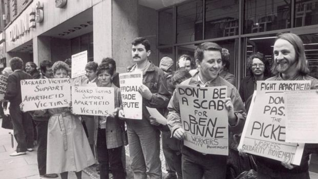 Dunnes Stores strike against apartheid