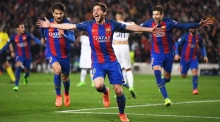 Icelandic soccer commentator goes bananas at Barcelona victory