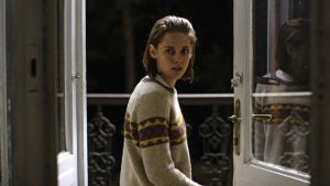 Come haunting with me: Kristen Stewart in Personal Shopper