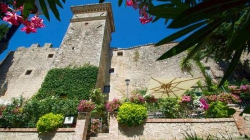 This 13th century building, 7km from Todi, was revamped by the current owner and includes a mix of modern comforts and period details such as exposed timber beams, terracotta floors and deep, arched windows . Living spaces open on to a terrace overlooking the countryside. The property has 15 bedrooms and is run as a hotel and restaurant but 