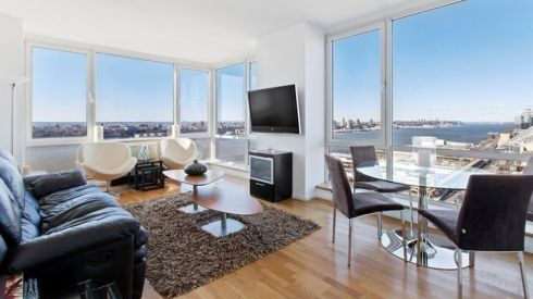 On West 42nd Street in New York, this one-bed apartment has views of the city and river through floor-to-ceiling windows. The home has white oak flooring, granite worktops and marble bathrooms. There is a concierge; tennis, basketball and bocci courts; golf driving range; swimming pool; sauna; billiard room; fitness centre; yoga/pilates studio; terraces; free bicycles and breakfast; multi-media room and shuttle bus – so you'll need to factor in service charges. </br>