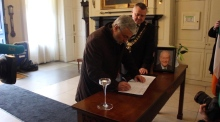 Dubliners sign book of condolence for Martin McGuinness