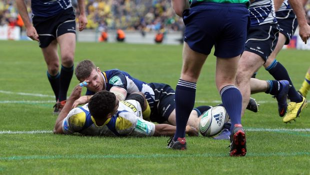 Gordon D'Arcy tackles Wesley Fofana of Clermont Auvergne to prevent him from touching down for a try during the 2012 Heineken Cup semi-final. Photo: Dan Sheridan/Inpho